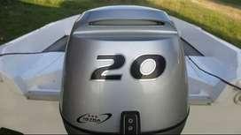 Lancha con Honda 20 hp 4 tiempos