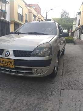 Renault clio automático - modelo 2010 - 150.000 km