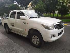 Vendo Toyota Hilux en muy buenas condiciones vendo o permuto por taxi