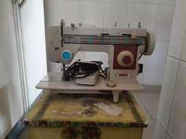 Maquina de coser usada