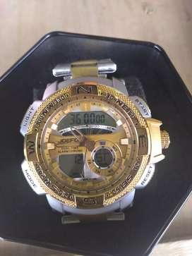 Reloj marca joefck con el agua