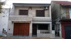 casa con terreno, pileta quincho garage, 3 dor living y cocina y comedor
