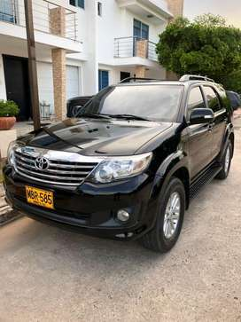 Toyota fortuner automatica 2012