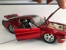 Ford Mustang Shelby Gt-500 KR scala1/24 1967. Marca Jada