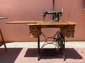 Maquina de coser New Home