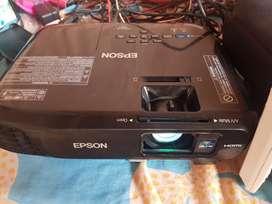 Proyector Epson Lite S18+/ lumens 3000 ,SVGA 800x600 , 3 LCD