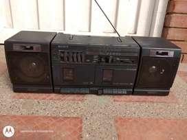 Grabadora Sony clásica