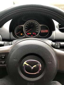Venta carro Mazda 2 en excelente estado