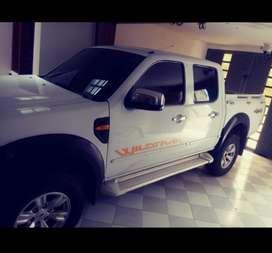 Se vende o permuta Ford Ranger modelo 2011 seguro y tevnomecanica nuevas motor 2500 diecel 4x4 llantas nuevas valor 42 m