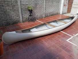 Vendo canoa con espejo para motor