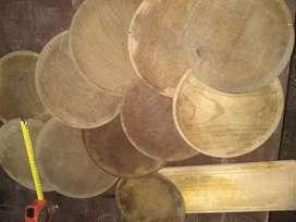 Platos de madera de asado
