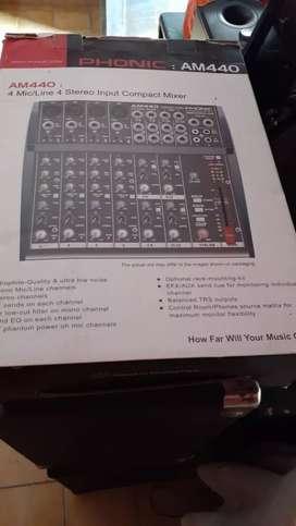 Mixer phonic am 440