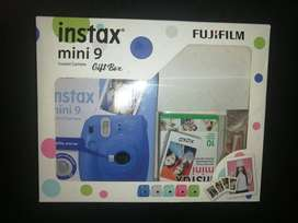 Vendo camara fujifilm instanx mini 9
