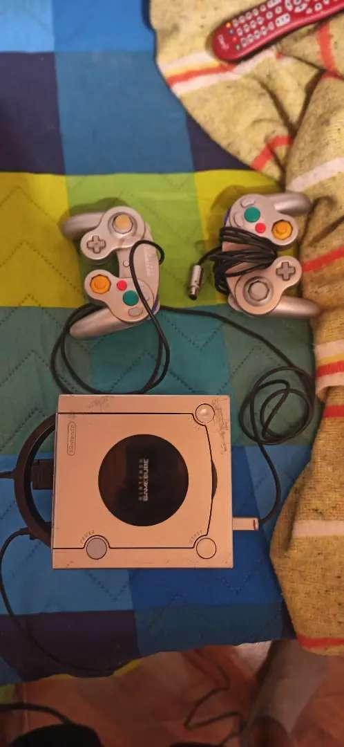 Nintendo Game Cube Platino 2 controles