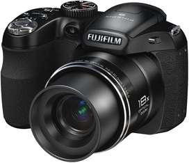Fujifilm Cámara digital de 14 MP con zoom óptico de 18x, color negro