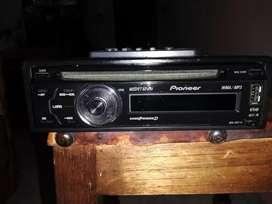 Vendo radio Pionner con usb mp3 y control