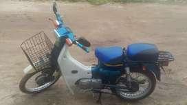 Vendo moto FR 100, en excelente estado con papeles hasta Diciembre
