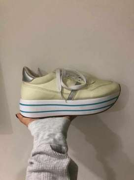 Zapatos marca americana