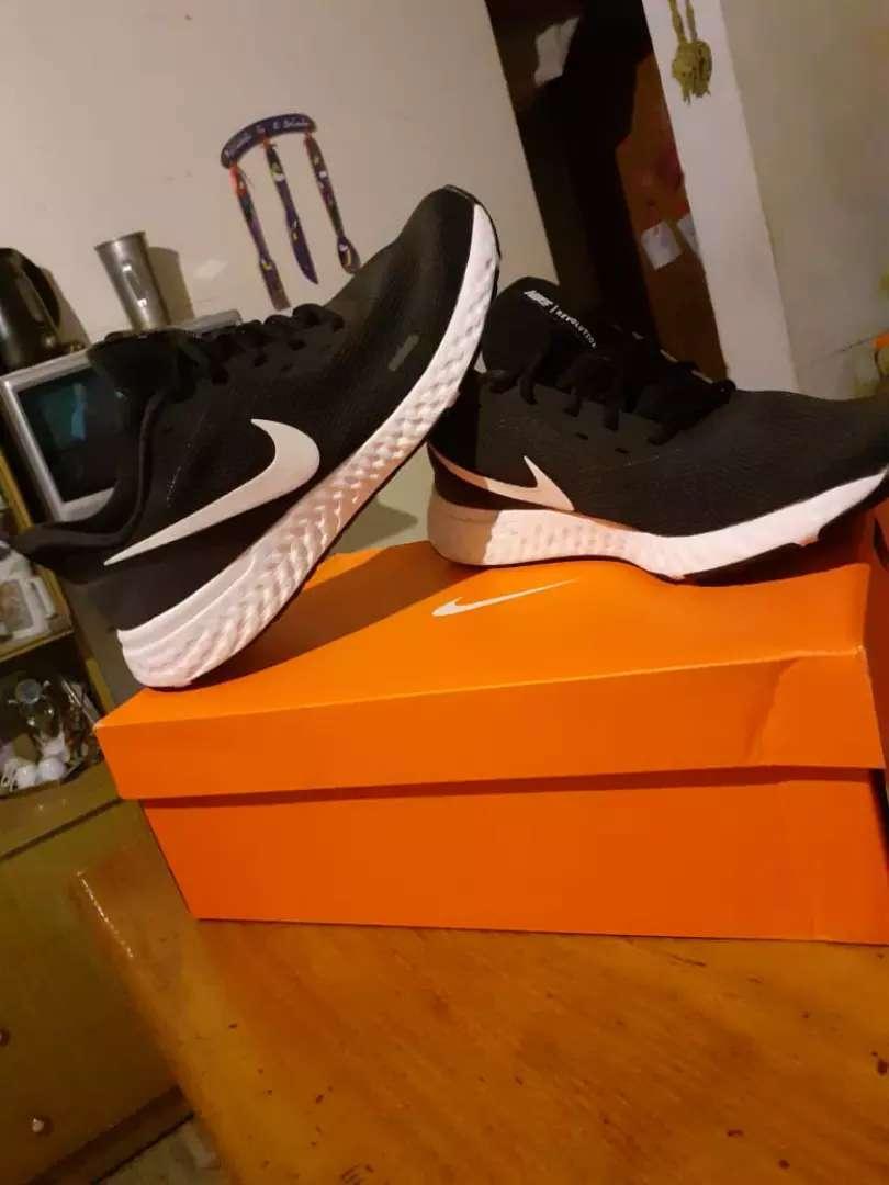 Vendo o permuto por algo de mí interés Zapatillas Nike revolution 5 (Gs) 0