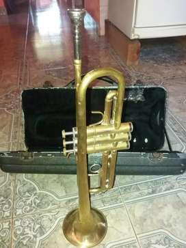 Vendo trompeta con estuche