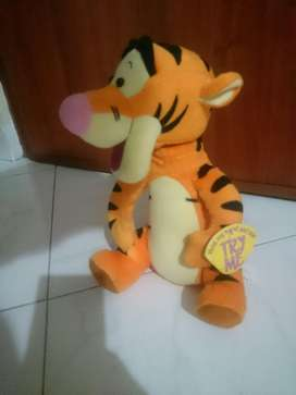 Tiger Winniepooh Habla en Ingles Mueve Cabeza