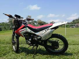 Moto modifica CRF 200