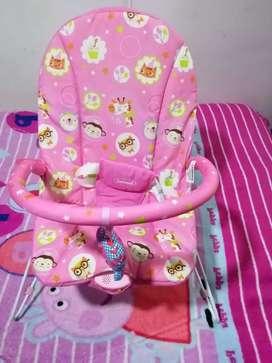 Silla mesedora con vibración para bebe