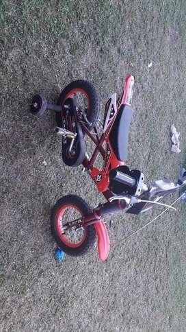 Vendo bicicleta moto d niño impecable casi sin uso