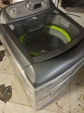 Hermosa lavadora haceb 28 libras