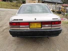 Se vende Mazda 626L modelo 93