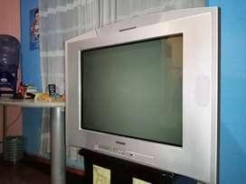 COMBO 2 TELEVISORES + CAMA