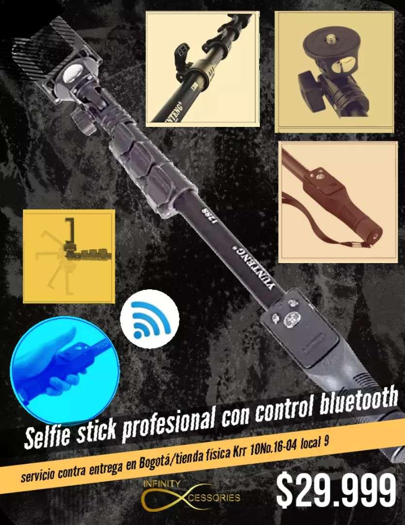 Selfie stick Profesional con control bluetooth