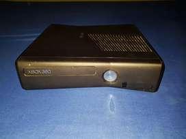 Xbox 360+PSP Original con estuche con memoria de 4Gb que incluye 3 juegos, con su cargador original