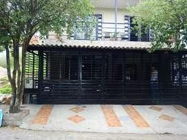 Arriendo casa 3 alcobas, 2 baños, sala comedor, patio de ropas, garaje