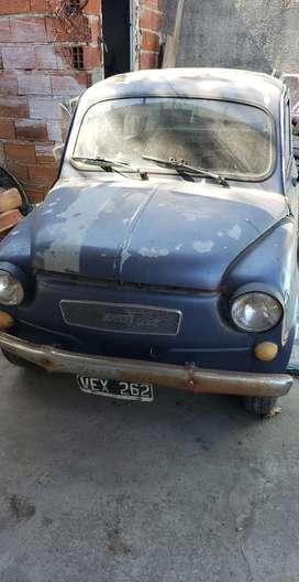 Fiat 600 precio charlable