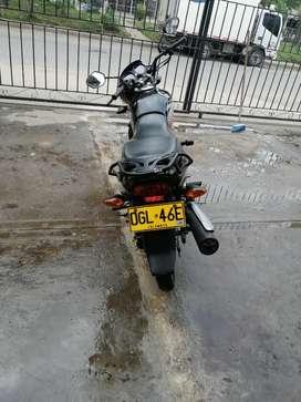 Se vende moto con papeles
