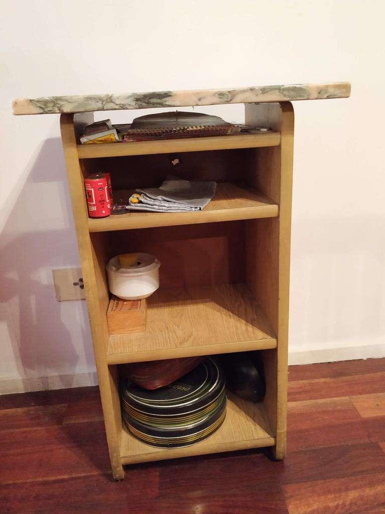 Mesa o Mueble de madera con base de Marmol y estantes 0
