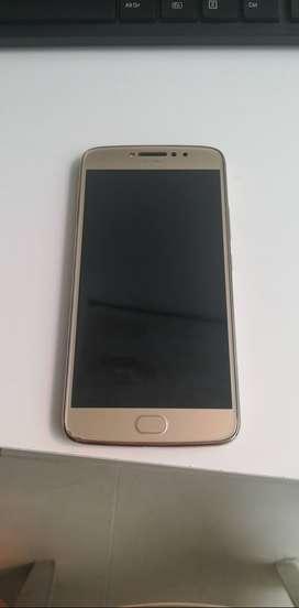 Vendo Motorola E4 plus usado