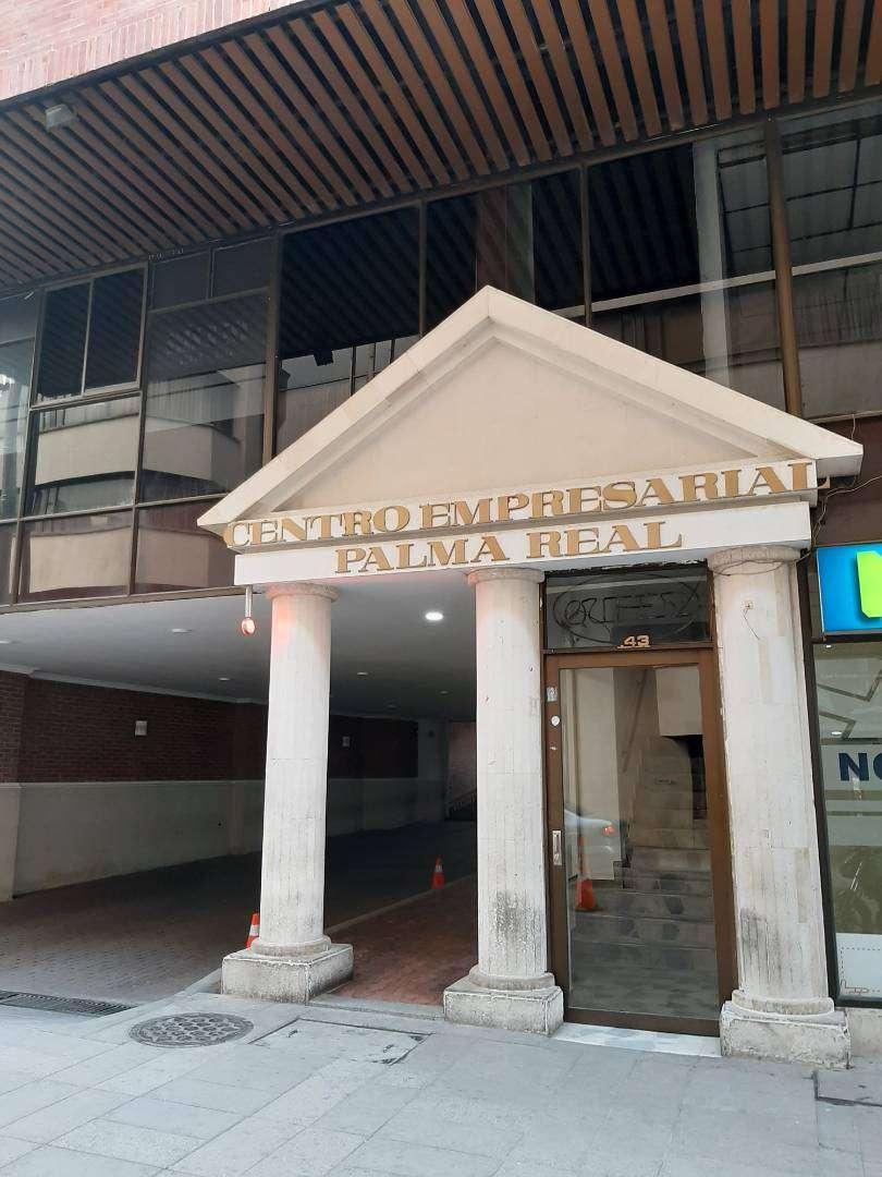 Se  vende o empeña parqueadero en el quinto piso Centro empresaria Palma Real 0