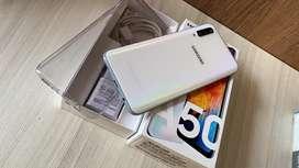 Samsung galaxy A50  impecable cargador original garantía Samsung Colombia impecable somos tienda domicilio
