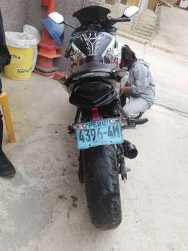 Vendo moto Honda CBR250R