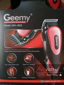 Maquina peluquera para mascotas Geemy GM - 1030