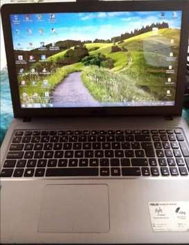 vendo mi laptop ASUS X540L
