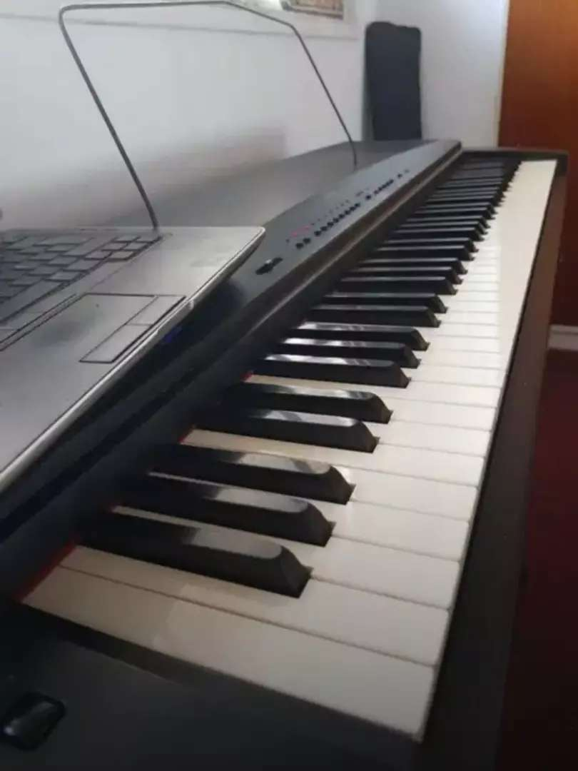 Piano sensitivo Yamaha ypp 55. 0