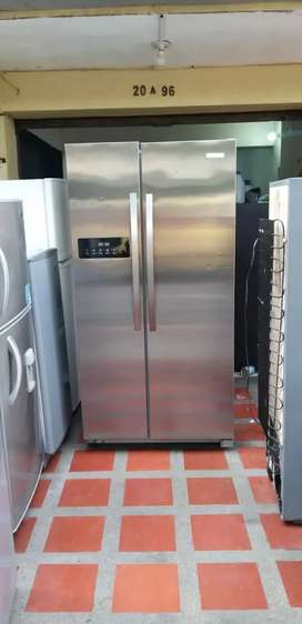 Nevecon Electrolux de 546 litros  de almacenamiento ahorradora, con acarreo incluido y garantía