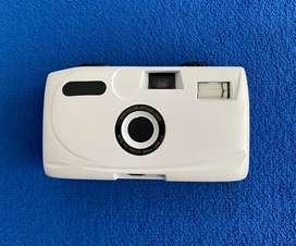 Camara fotográfica de rollo, nueva