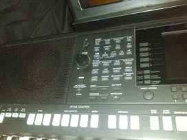 Vendo Yamaha psr s 950 prácticamente nuevo $4.600.000