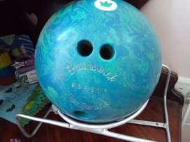Bola de boliche en buen estado usada marca Brunswick económica 80.000
