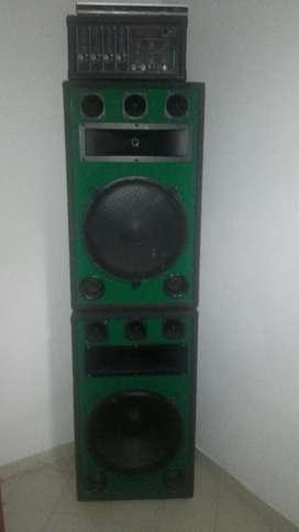 Cabinas de Sonido Y Amplificador
