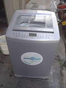 Lavadora electrolux 26 libras